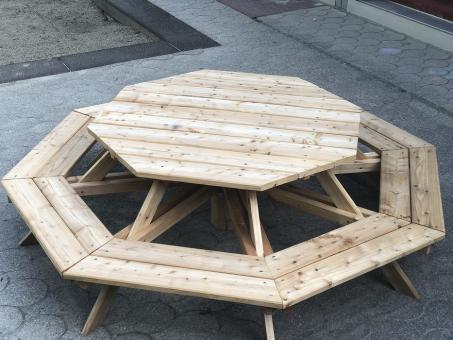 sitzgruppe f r 8 kinder achteck bank mit tisch f r kinder von 119 cm bis 142cm k rpergr e. Black Bedroom Furniture Sets. Home Design Ideas